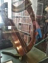 A harpa máis antiga de Irlanda (foto Emilio Roca)