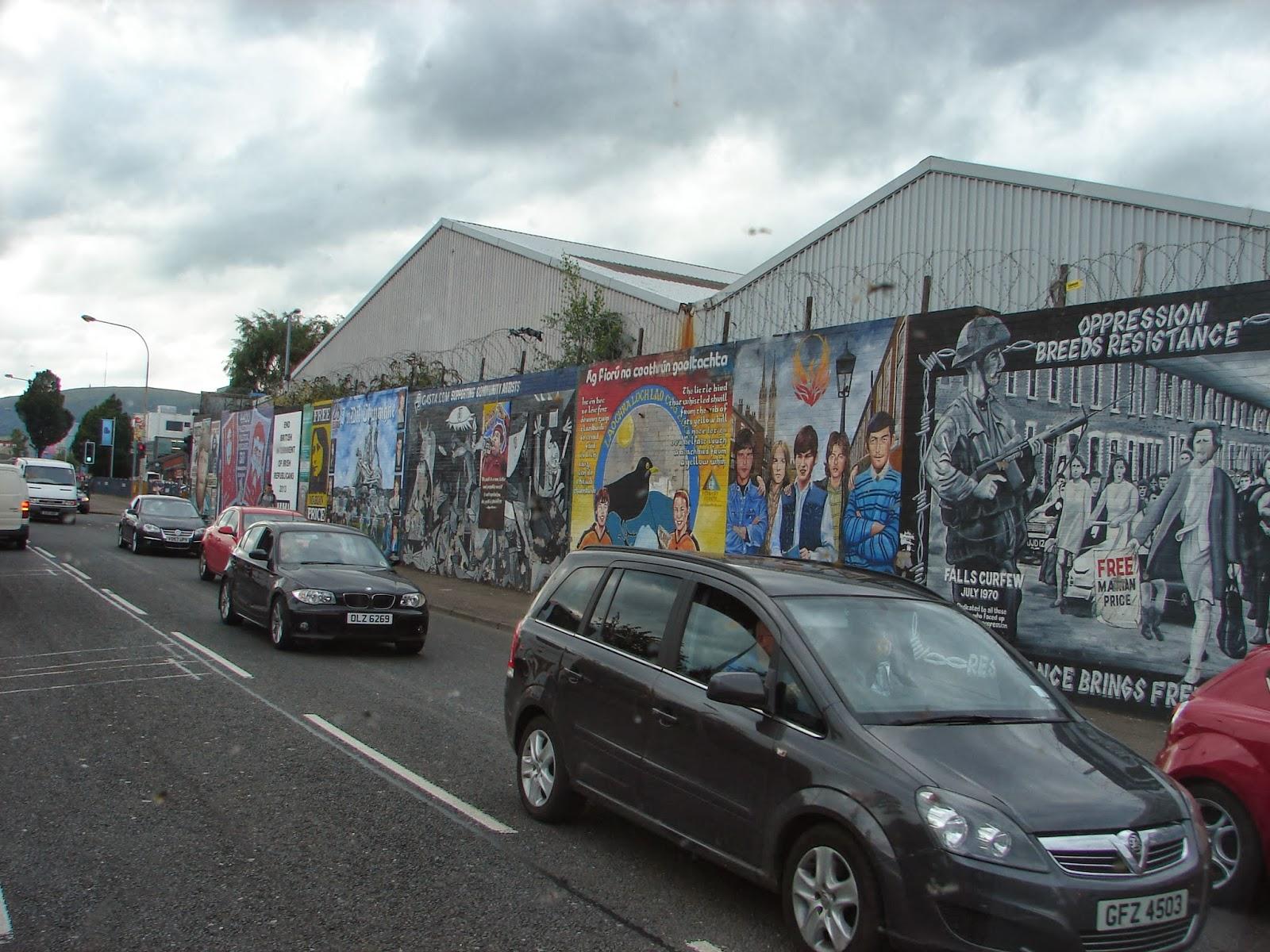 Murais na Falls Road de Belfast (foto XMLS)