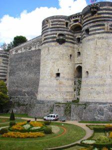 Castelo de Angers, da dinastía Plantagenet (XMLS)