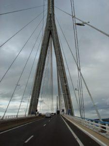 Unha das torres-piar da ponte de Normandía (XMLS)