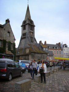 Campanario da igrexa de Sta. Catarina, sobre a casa do campaneiro (XMLS)