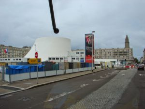 A Casa da Cultura de La Havre (O.Niemeyer) [XMLS]