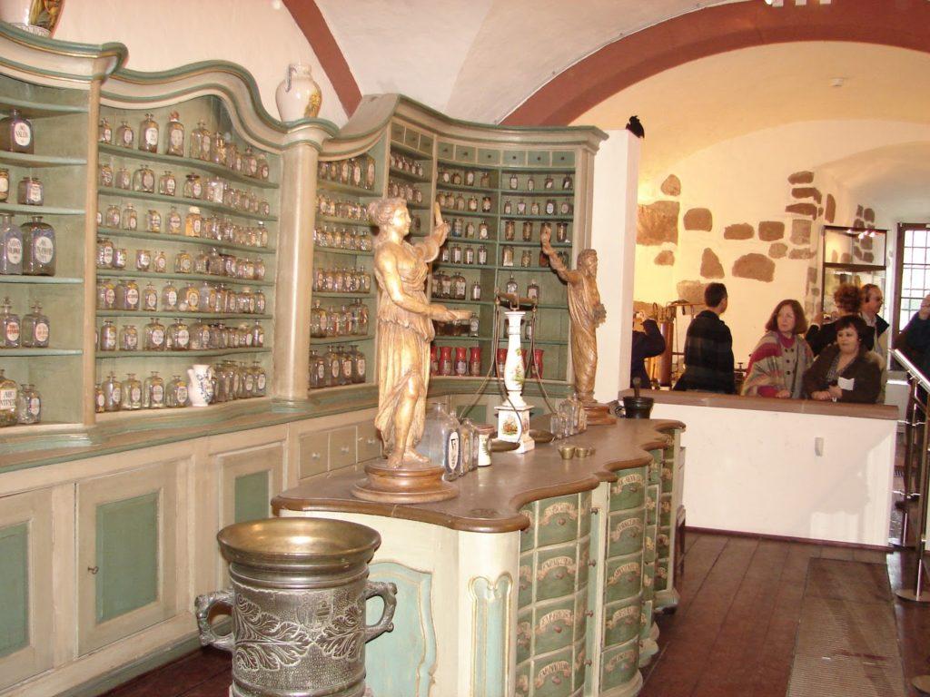 33. Botica (Apotheke) do castelo de Heidelberg