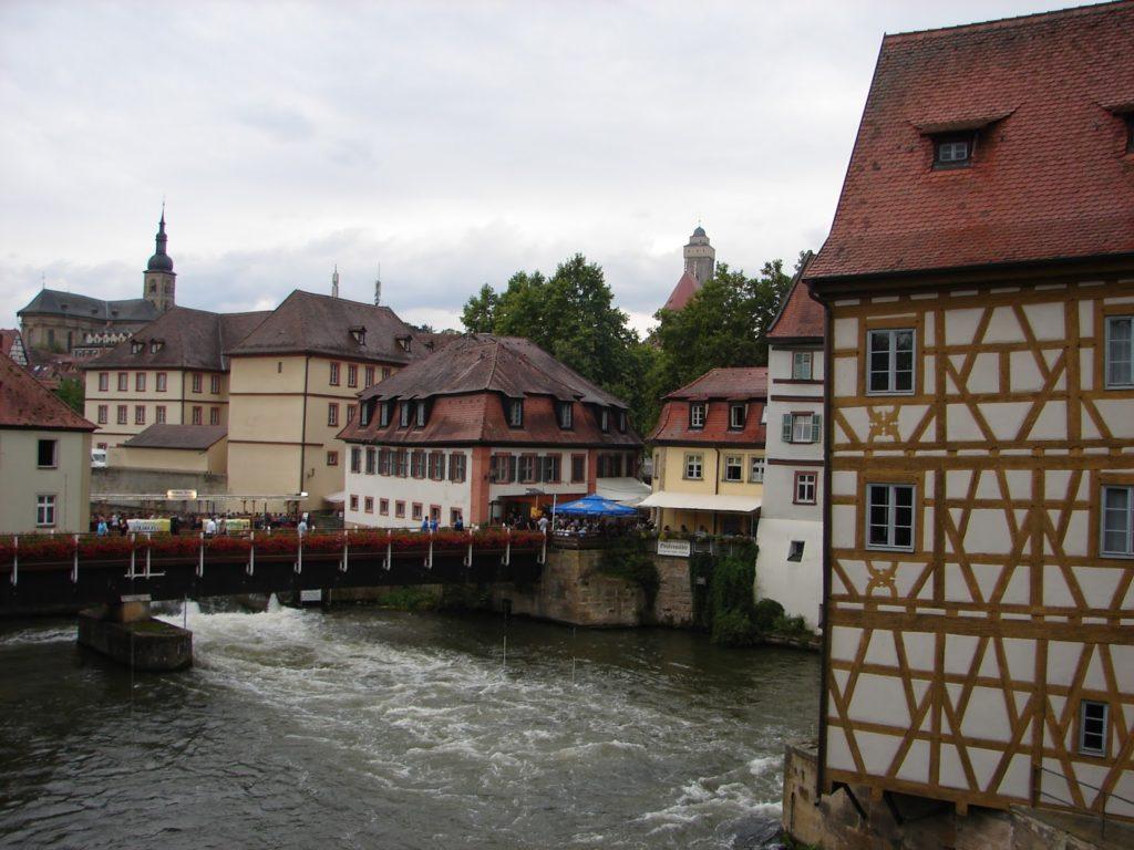 O río Regnitz ó seu paso por Bamberg [XMLS]