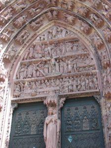 Rosetón da catedral de Estrasburgo (XMLS)