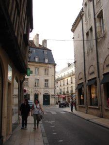 Polas rúas de Dijon