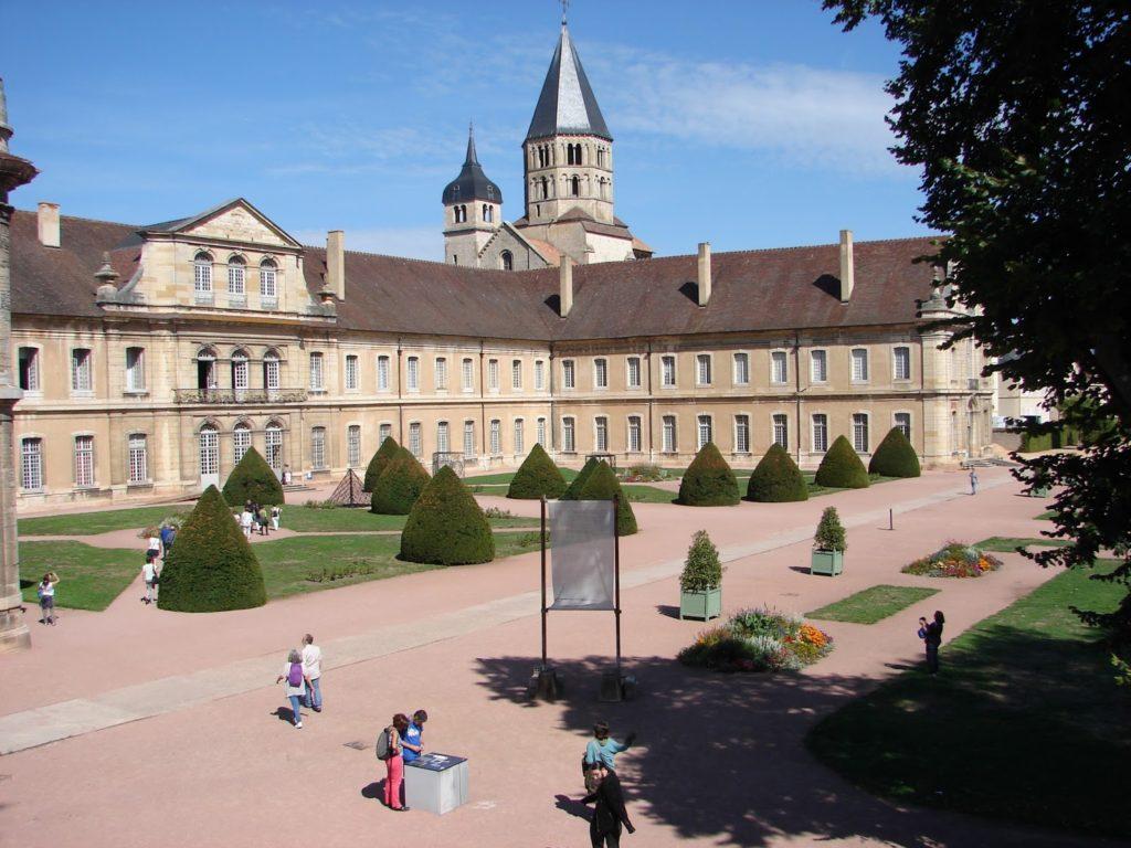 Cluny: vista da abadía actual (foto XMLS)