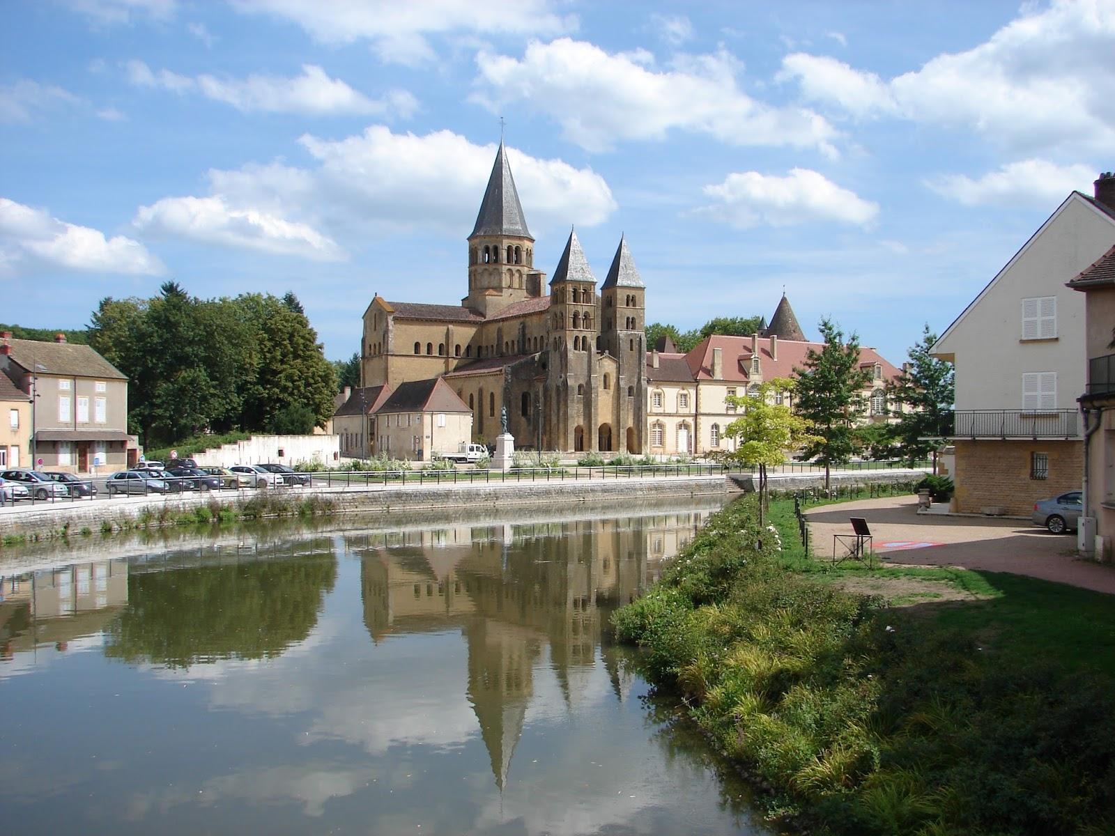 Igrexa de Paray-le-Monial (XMLS)
