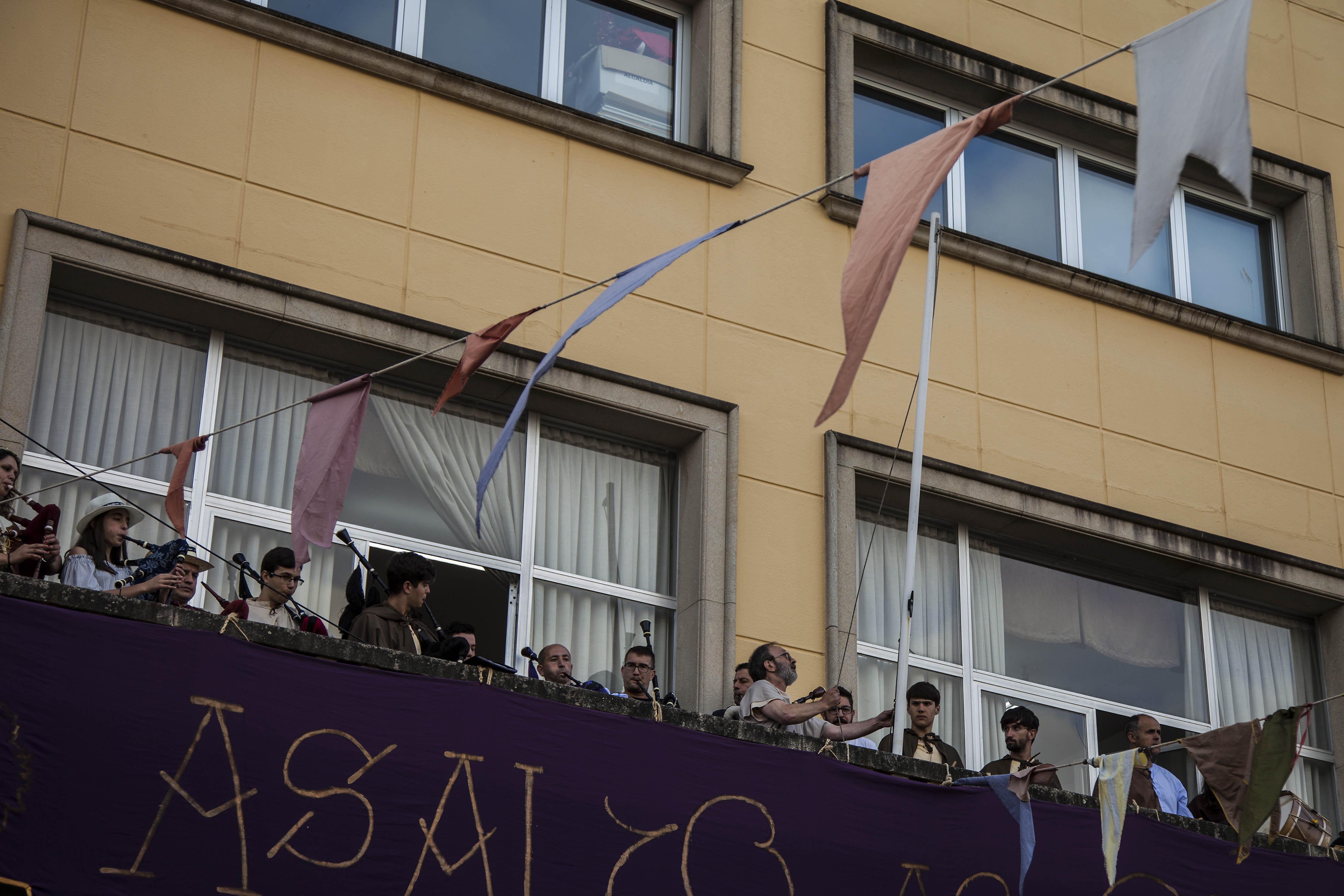 W_bandeira_irmandinha_AsaltoaoCastelo_2