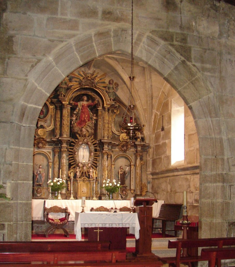 DSC09022 Arco triunfal igrexa (2)