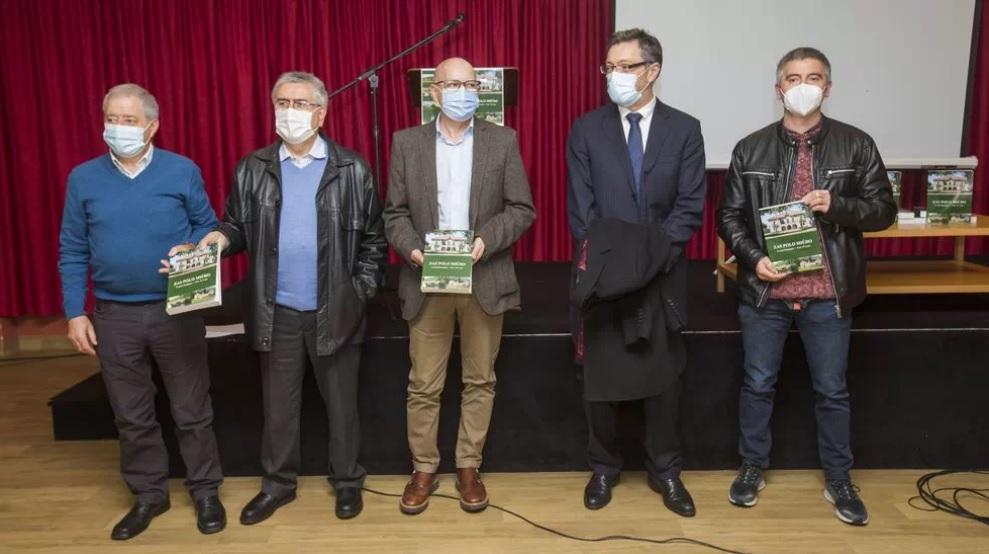"""Presentación de """"Zas polo miúdo"""" na Casa do Concello. (Foto: Ana García para La Voz de Galicia)"""